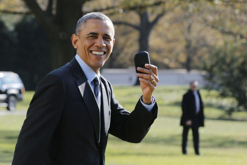 Know Why Obama Is Not Allowed To Use iPhone