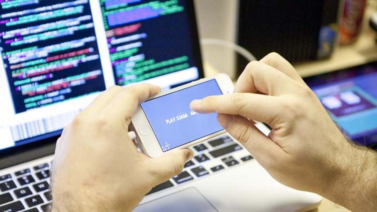 Top 7 Smartphone Apps To Learn Programming