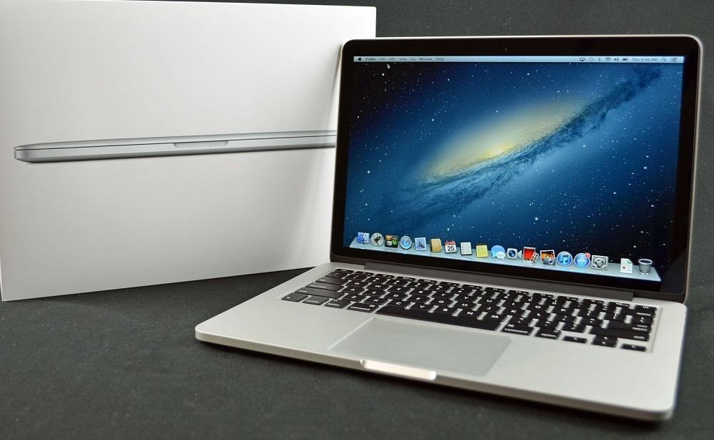 Here's The Reason Why The New MacBook Pro Doesn't Have An SD Card Slot