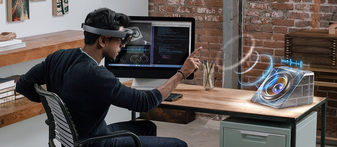 Microsoft's HoloLens 2 To Feature An Affordable Qualcomm XR1 VR Chip